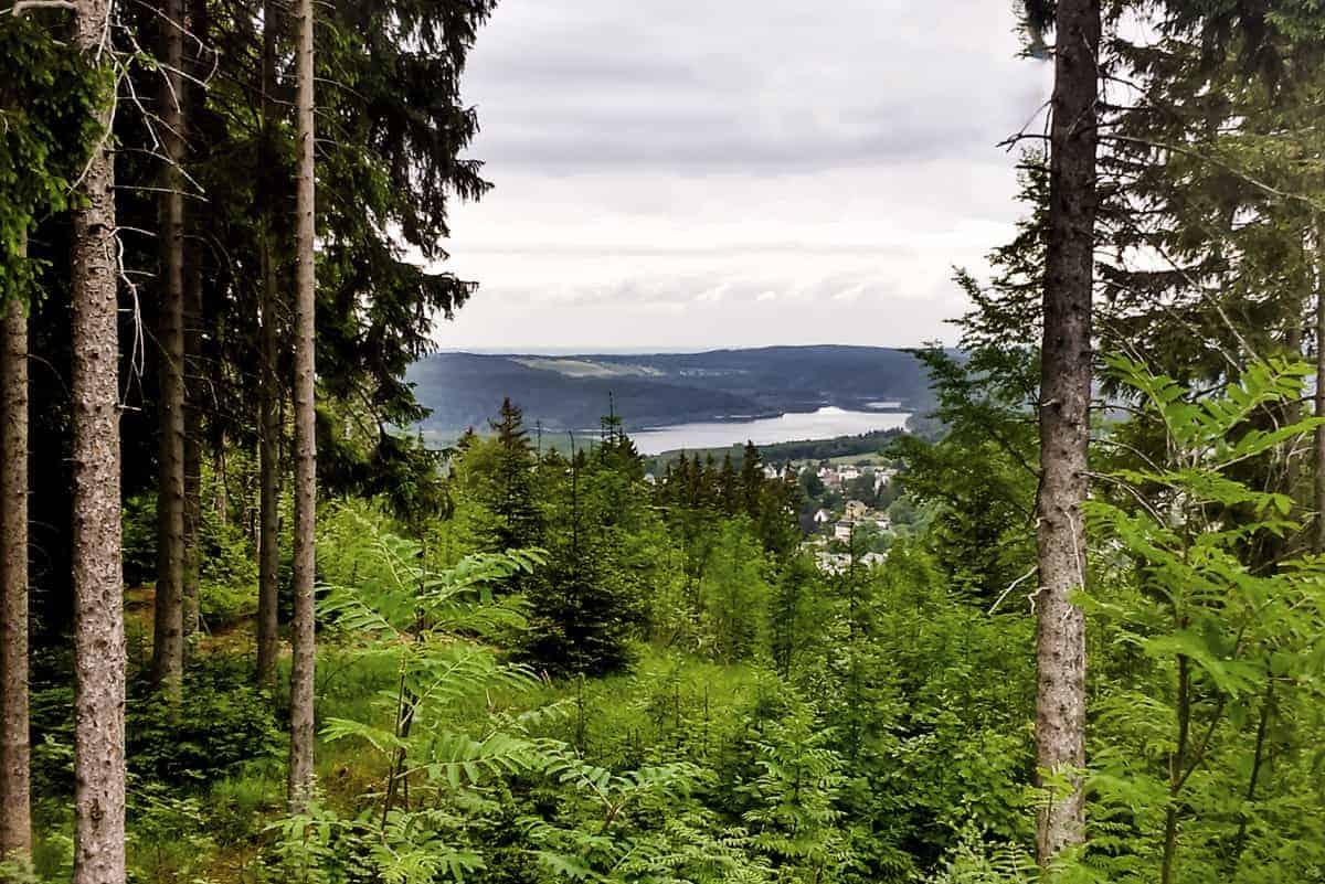 Talsperre vom Gipfelkreuz Wurzelrudis Erlebniswelt ©WR