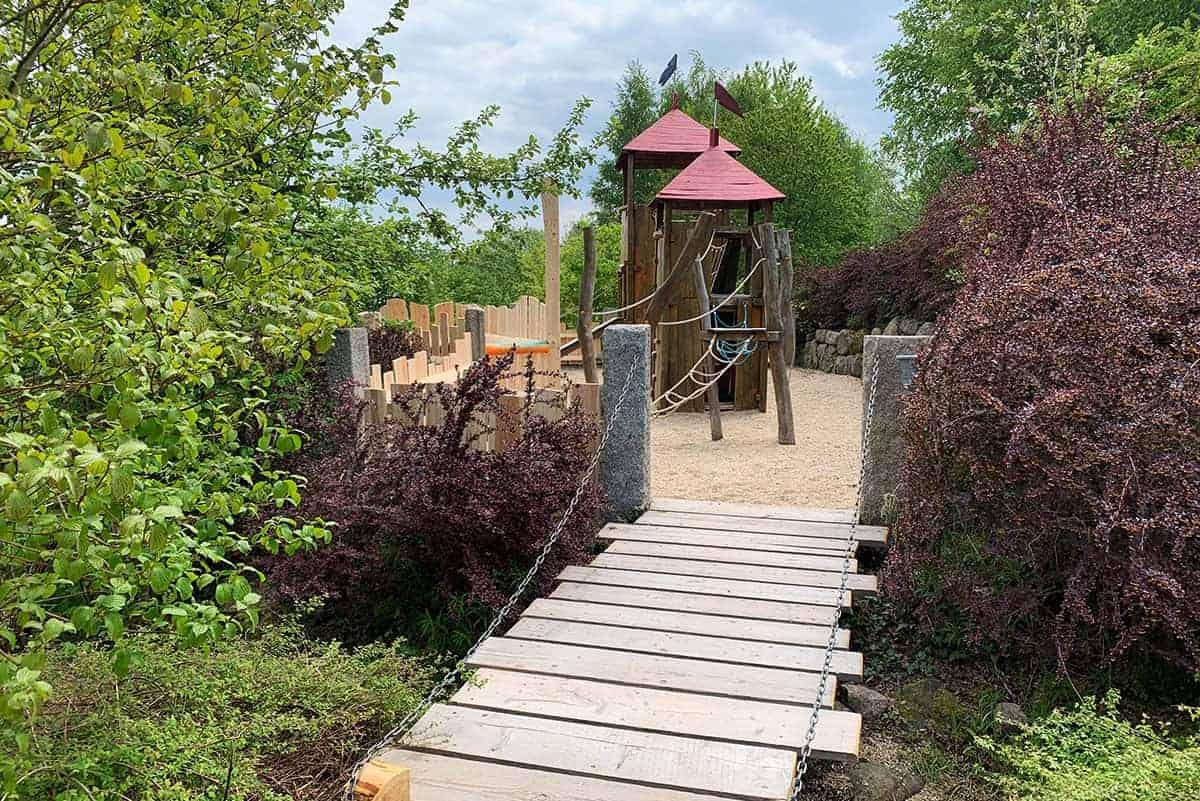 Burg im Abenteuerspielplatz in Wurzelrudis Erlebniswelt ©WR