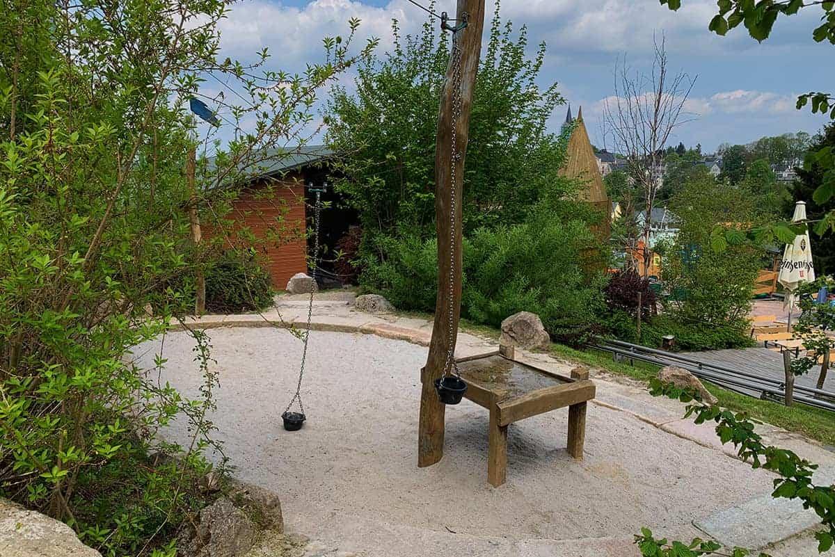 Sandkasten im Abenteuerspielplatz in Wurzelrudis Erlebniswelt zu Eibenstock ©WR