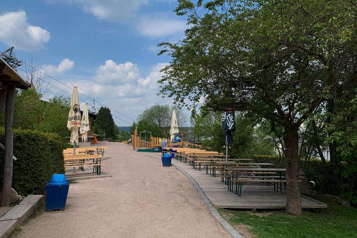 Biergarten in Wurzelrudis Erlebniswelt ©WR