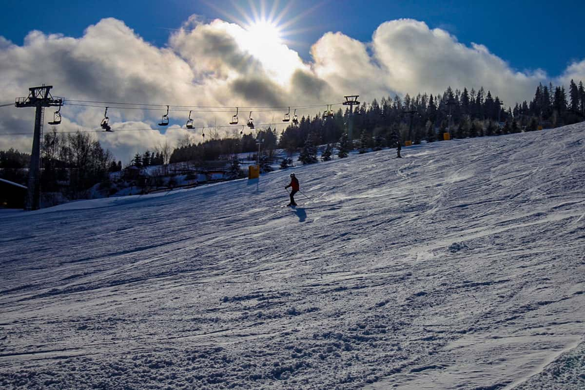 Sonne über der Adlerfelsenbahn in der Skiarena Eibenstock ©WR