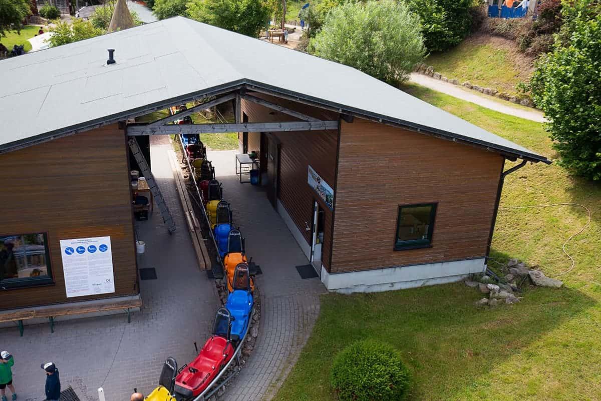 Schlitten der Bobbahn in Wurzelrudis Erlebniswelt in Eibenstock ©WR
